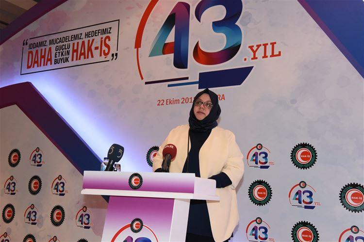 HAK-İŞ 43 YAŞINDA